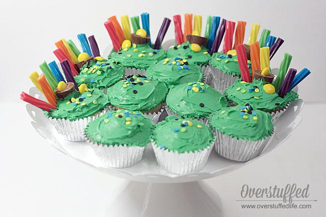 Easy St Patrick\u0027s Day Rainbow Cupcakes - Overstuffed
