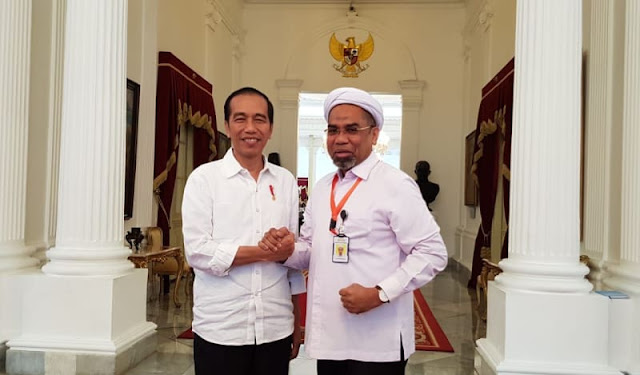 Ngabalin Diprotes Alumni UI karena 'Jual Nama Kampus' Demi Jokowi