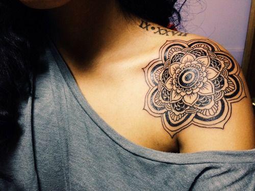 Ver Tatuajes De Chica En El Cuello De Loto Mandalas Tatuajes