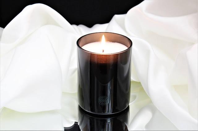 l'artisan parfumeur intérieur figuier avis, intérieur figuier, bougie intérieur figuier, intérieur figuier bougie parfumée, premier figuier, bougie parfumée, bougie l'artisan parfumeur, l'artisan parfumeur bougies, bougie parfumée naturelle, candles, candle review, scented candle, avis l'artisan parfumeur, bougie en cire végétale, meilleure marque de bougie parfumée, l'artisan parfumeur
