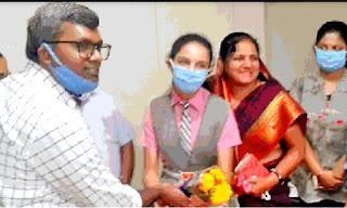 मेधावी विद्यार्थियों का कलेक्टर द्वारा किया गया सम्मान
