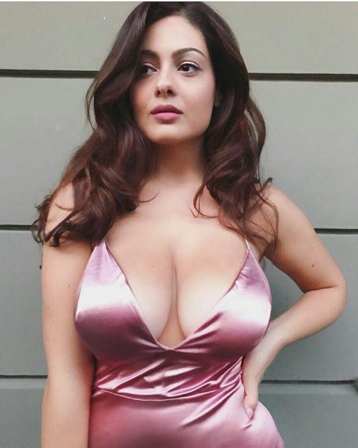 Hot sunita bhabhi online romance - 2 8