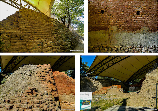 Trabalho de escavação nas ruínas de Troia, Turquia