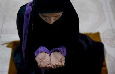 गीता पाठ करके इनाम जीतने वाली मुस्लिम लड़की को बदलना पड़ा स्कूल, मौलानाओं ने किया मजबूर