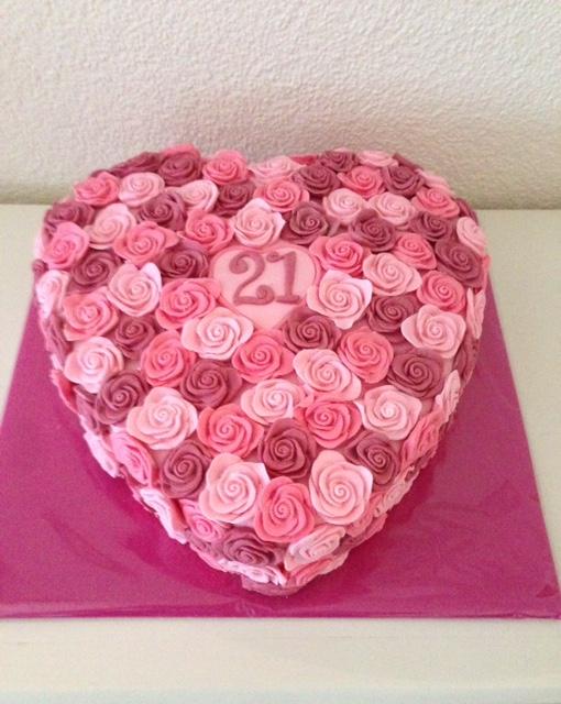 Bekend Friedepiece of Cake: Rozentaart voor de liefste Tes EJ97