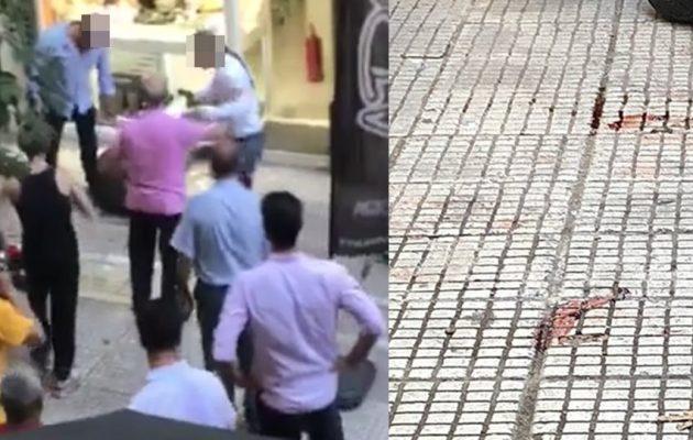 Νέο βίντεο-με τον τραβεστί  ληστή πήρε ενα γυαλί και απειλούσε άντρα του ΕΚΑΒ!