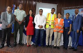 """Lanzamiento del proyecto interinstitucional de educación vial desde los centros educativos """"San Cristóbal viable para todos""""."""