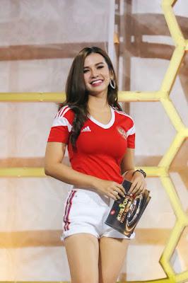Presenter Cantik Ini Tunjukkan Kebolehannya Dalam Meramal Piala