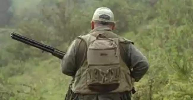 Η απόλυτη παράνοια: Κυνηγούν κυνηγούς στα βουνά για να τους κόψουν πρόστιμο