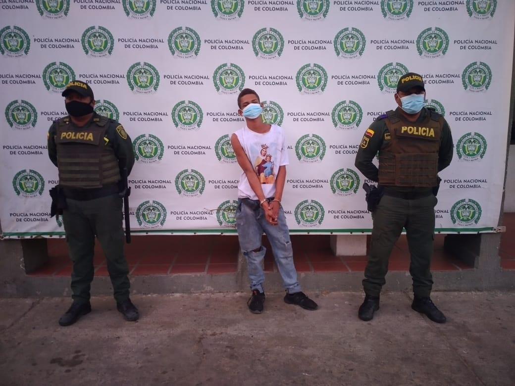 https://www.notasrosas.com/Policía Guajira captura a tres hombres en Maicao por diferentes delitos