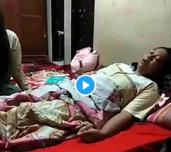 Seorang Guru Lumpuh Setelah Vaksin Dosis ke Dua, Cek Faktanya