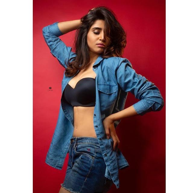 Actress Vershini Hot