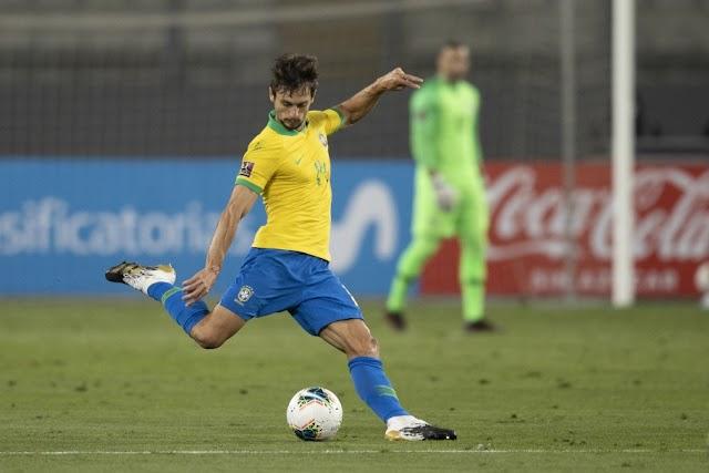 Zagueiro Rodrigo Caio do Flamengo é convocado para o lugar de Thiago Silva, na Seleção Brasileira.