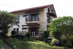 Villa di daerah lembang bandung murah nyaman dan bagus