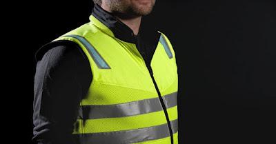 Scania apresenta colete de proteção a motoristas