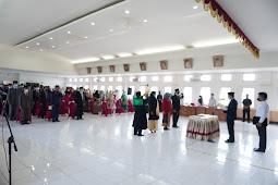 Safaruddin Datuak Bandaro Rajo Lantik dan Ambil Sumpah Pejabat di Kabupaten Lima Puluh Kota
