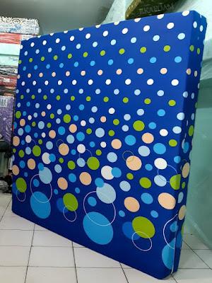 Kasur inoac motif buble biru atau polkadot biru