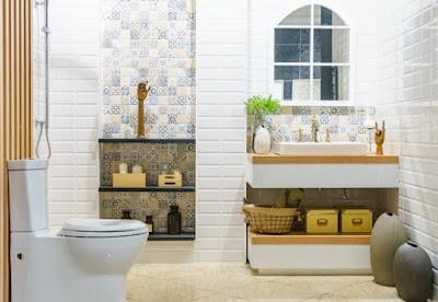 4 طرق فعالة لتنظيف الحمام من الكلس والعفن الأسود