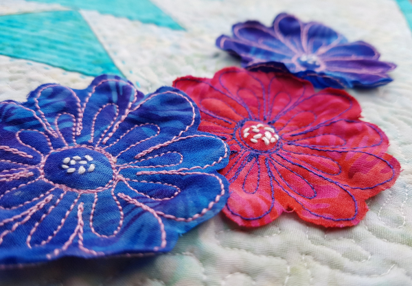 free motion flower embroidery   DevotedQuilter.com