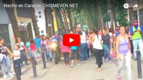 Nacho salió a pasear a pie por las calles de Caracas