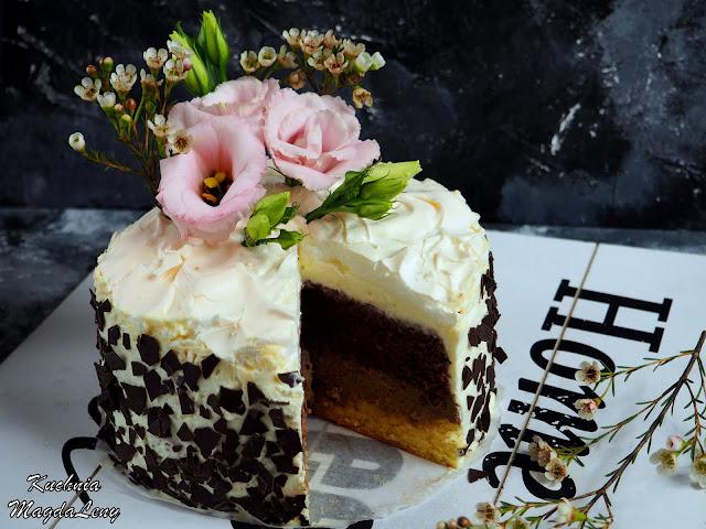 Tort urodzinowy z bezą