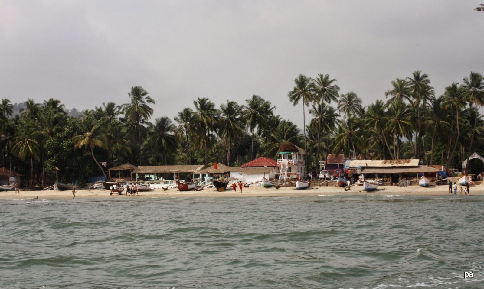 Cavelossium Beach