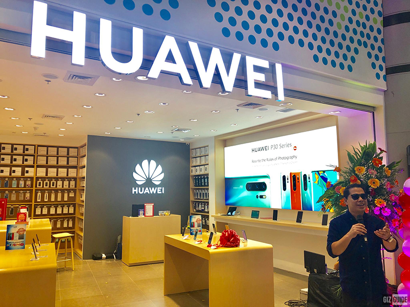 Huawei opens concept store in SM City Fairview