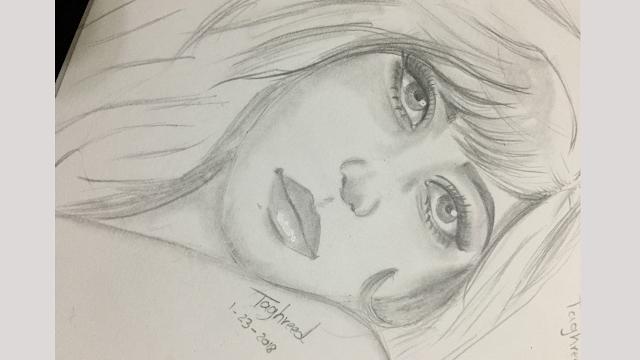 رسم وجه فتاة