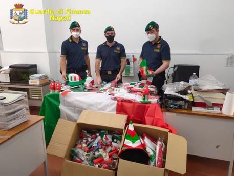 Gdf sequestra oltre 1,6 mln articoli contraffatti, anche gadget Europei