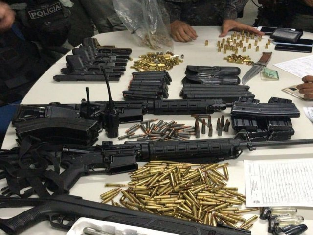 JUSTIÇA-Pernambuco: Polícia prende policiais militares e apreende 1,5 tonelada de cocaína, fuzis e pistolas em Jaboatão dos Guararapes (PE)
