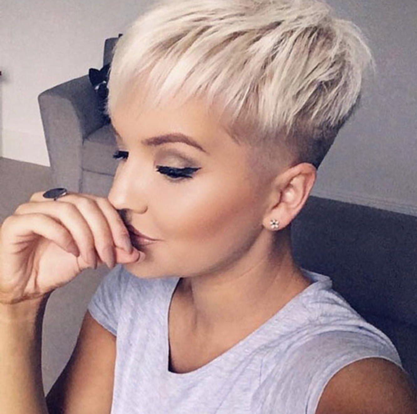 Older Women Pixie Haircuts For Women Over 50 33