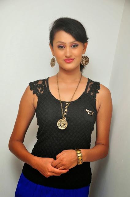 Archana Rao Hot Telugu Actress in Black Shirt Navel Queens