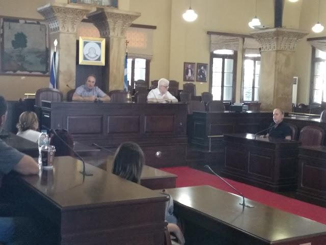 Γιάννενα: Συνάντηση της ΑΔΕΔΥ με τον δήμαρχο, για τα ζητήματα που έχουν οδηγήσει τους εργαζόμενους σε απεργιακές κινητοποιήσεις