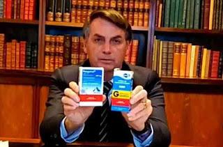 Presidente Bolsonaro informa que está com os sintomas da Covid-19