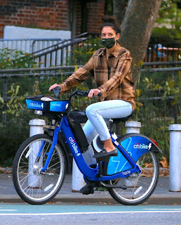 katie holmes riding electric citi bike in the lower manhattan ny 10 20 2020 5