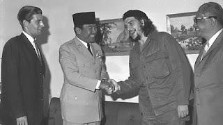 Foto Bung Karno dan Che Guevara / catatan adi