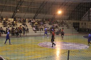 Resultado de imagem para futsal no ginásio de Herval