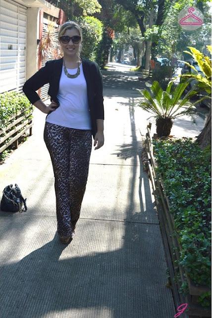 look-do-dia-calça-animal-print-t-shirt-branca-blog-jeito-de-vestir-moda-street-style