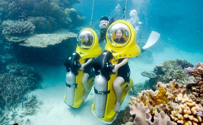 www.xvlor.com Great Barrier Reef is spectacular snorkeling and scuba diving at Coral Sea