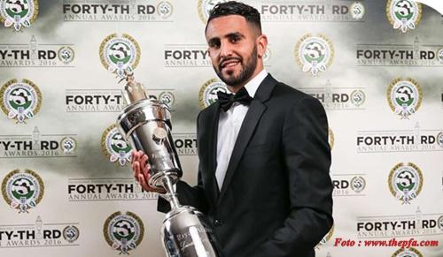 Raih PFA Player of the Year 2016, Riyad Mahrez Siap Angkat Tropi EPL.