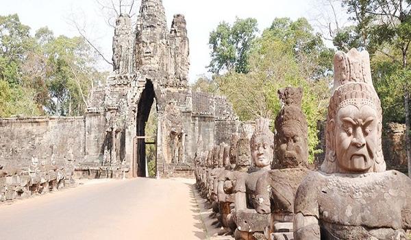 Cổng nam Angkor Thom