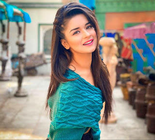Avneet Kaur (Actress) Biography, Wiki, Height, Age, Boyfriend, Family Details, Career and More || BIOWORLD