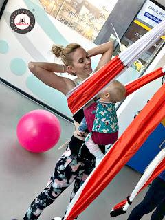aeroyoga, air yoga, aerial yoga, yoga aerien, fly, flying, stage, teacher training, formacion, cursos, clases, escuelas, talleres, seminarios, rafael martinez