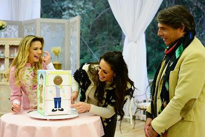 Beca, Nadja e Olivier com a referência da prova criativa (Crédito: Zé Paulo Cardeal/SBT)