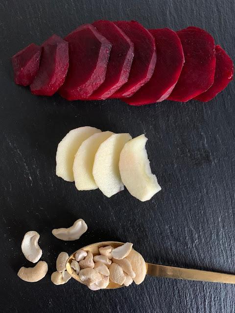 Kalte Rote Bete Suppe mit heißen Kartoffeln #Rezept #glutenfrei #vegan, schnelles Rezept, einfach, Apfel, Ingwer, Kartoffeln