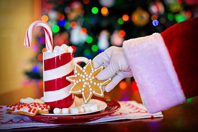 लाॕकडाऊनमध्ये ख्रिसमस सण साजरा कसा करावा आणि विशेष भेटवस्तू कशा व कोणत्या द्याव्यात. Mary Christmas Gift Ideas