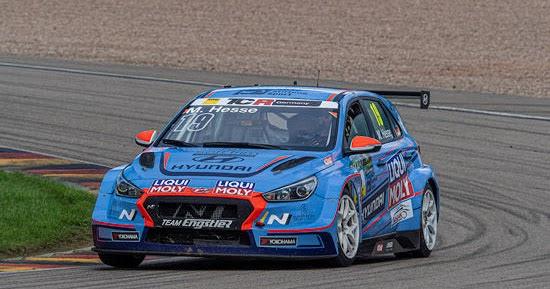 Entscheidung auf der Ziellinie: Max Hesse neuer ADAC TCR Germany-Champion