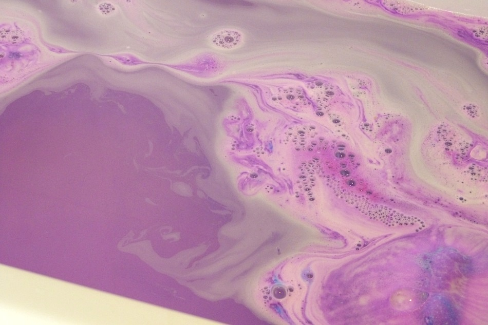 an image of northern lights bath bomb review