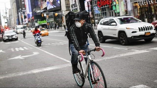 Menurunkan Masker Saat Bersepeda dapat Dikenakan Denda