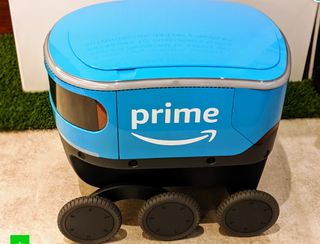 How Amazon's conveyance robots will explore your walkway